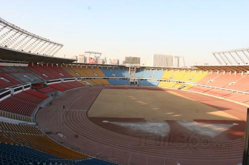 8月6日~23日分别在五个足球城市进行,即北京,上海,天津,沈阳,秦皇岛.