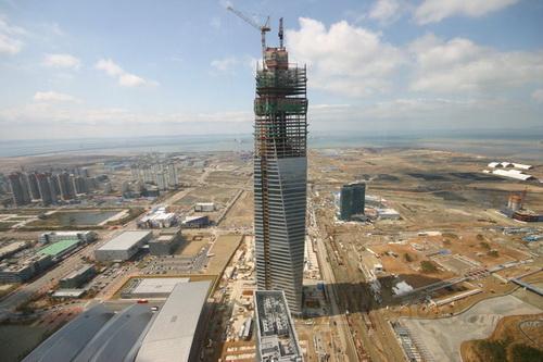 """图2,""""松岛新城""""在建设中"""